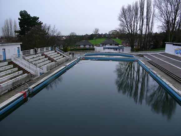 The forlorn state of the once stunning Broomhill Pool in 2006.